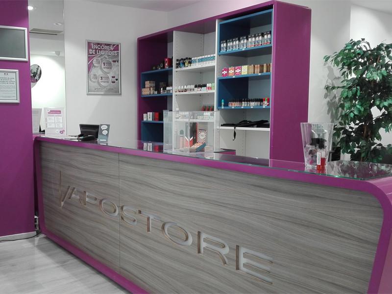 magasins de cigarette lectronique vapostore troyes 10. Black Bedroom Furniture Sets. Home Design Ideas